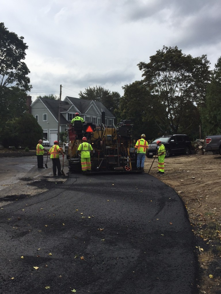 Gilbert's Crew in Bedford doing some great paving!